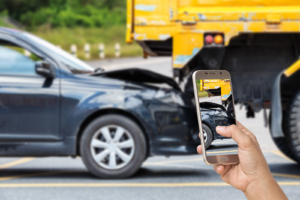 how and when to take photos at the scene of a car accident in Arizona